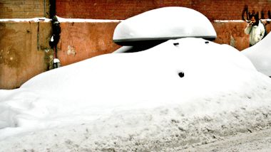 Sent ute? Slik bør du klargjøre bilen for vinteren.