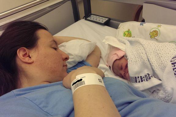 Babyen ble akuttplassert få dager etter fødsel. Det skjer med 30–40 nyfødte hvert år.