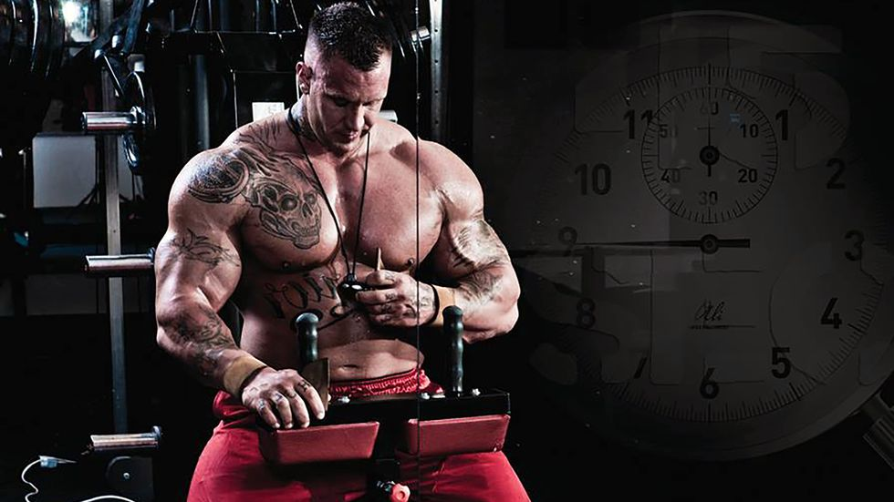 «Hulk» Haugen tok 10.000 sprøyter for å bli en av verdens sterkeste menn. Nå tar han et oppgjør med løgnen bak musklene.
