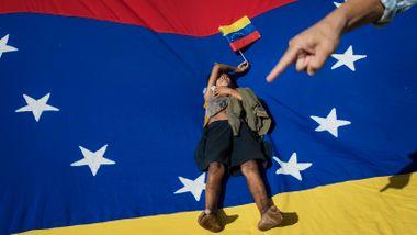 Røde Kors kritiserer verden for mangel på nødhjelp til Venezuela